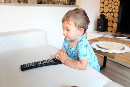 telewizja dla dzieci - jak długo dzieci mogą oglądać bajki