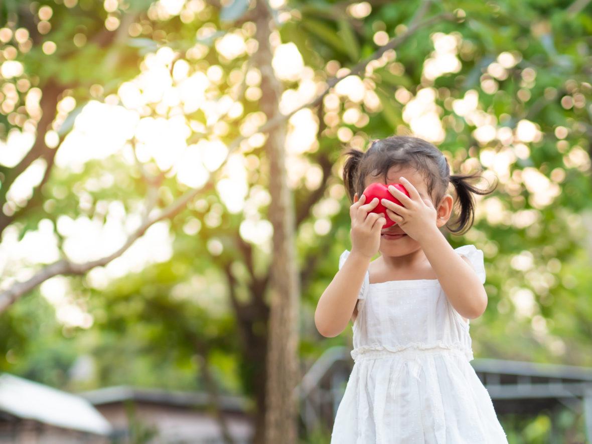 jak wspierać dzieci nieśmiałe
